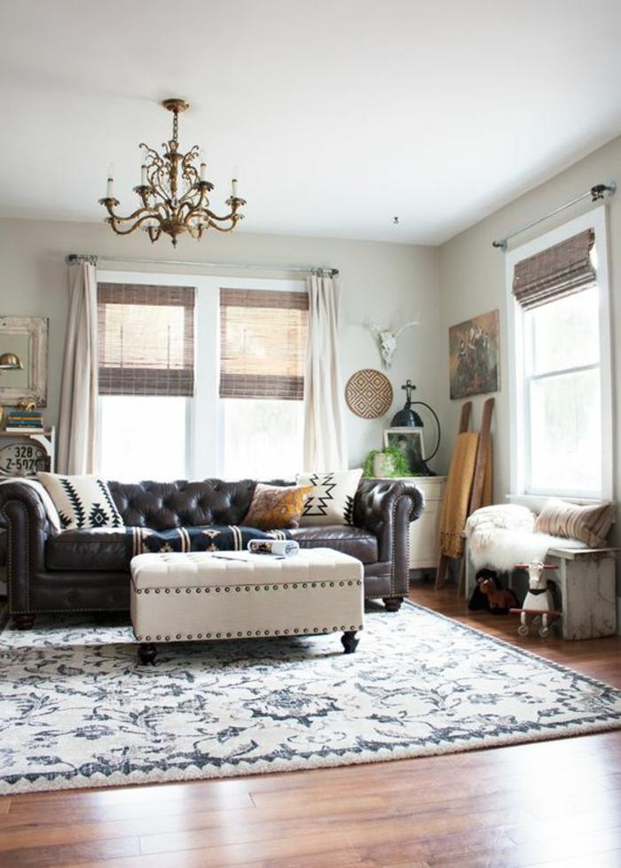 chesterfield sofa dunkel leder leuchter wohnzimmer