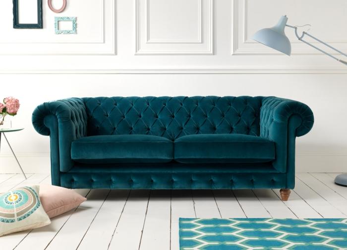 chesterfield sofa grün elegant schick weißer boden