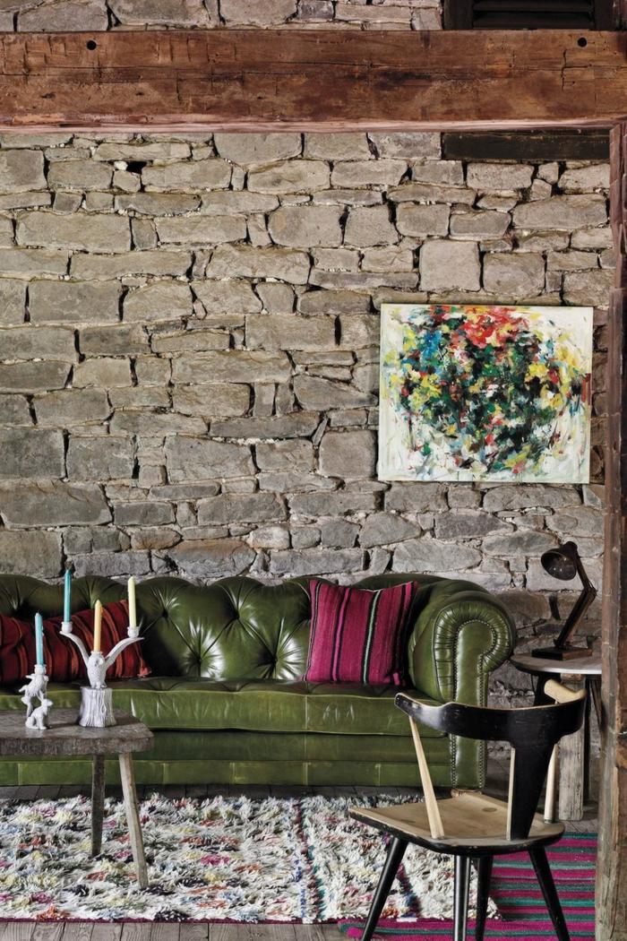 chesterfield sofa grün wohnideen wohnzimmer steinwand