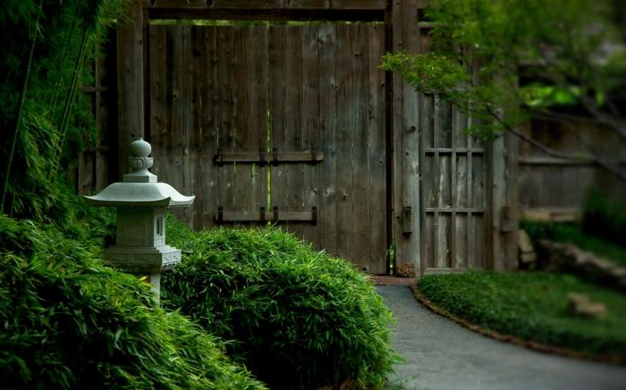 chinesischer garten bambus steinlaternen gartenzaun tor holz