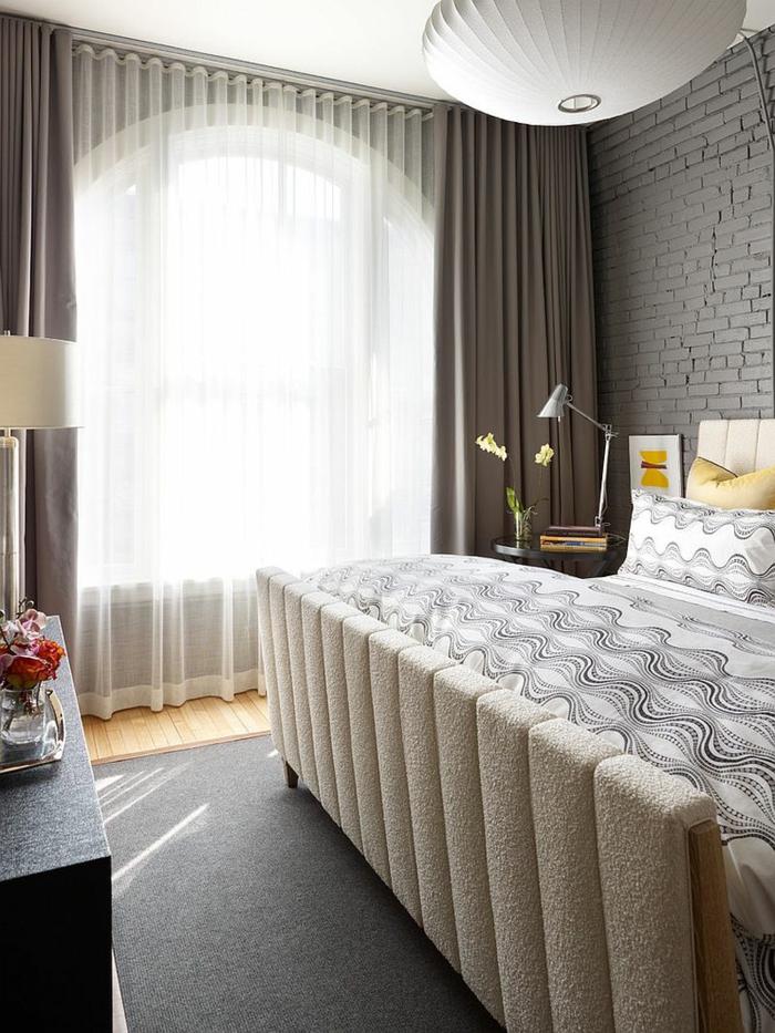 einrichtungsideen schlafzimmer gardinen grauer teppich
