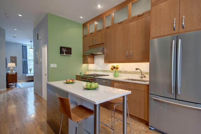 feng shui design kücheneinrichtung holzmobiliar hell grüne akzentwand