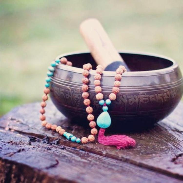 fernöstliche Kultur Heilkunde Tibetische Klangschalen Klöppel
