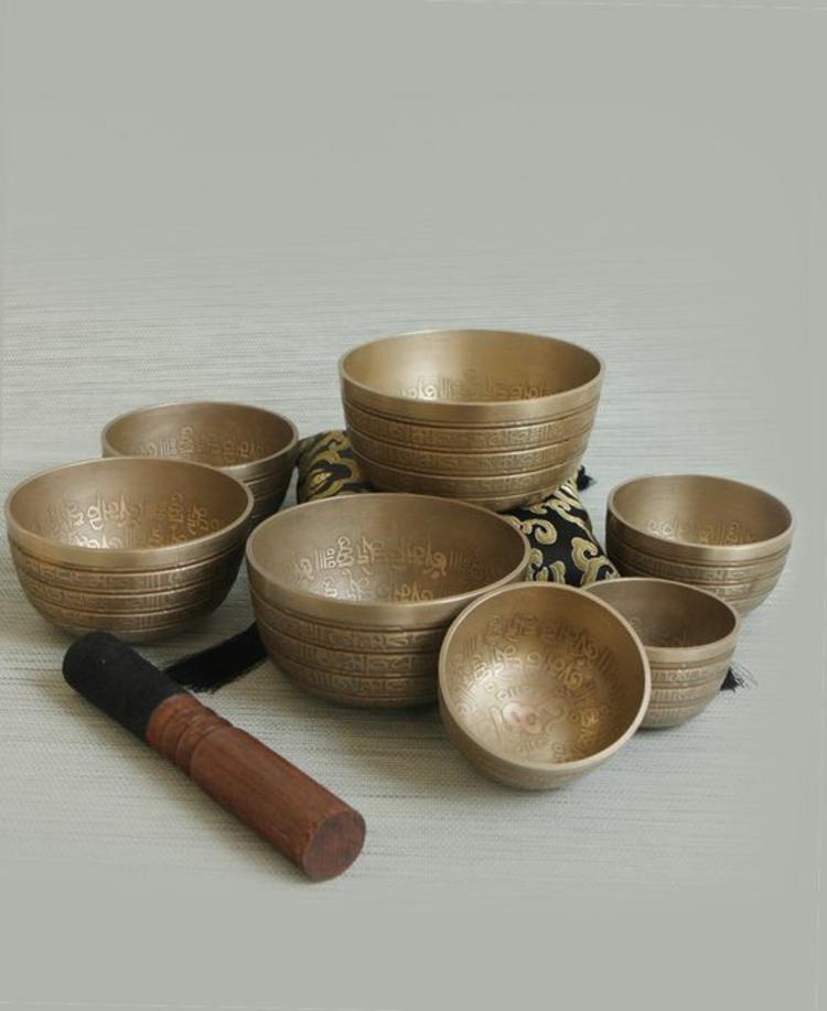 fernöstliche Kultur Tibetische Klangschalen Set Holz Klöppel gepolstert