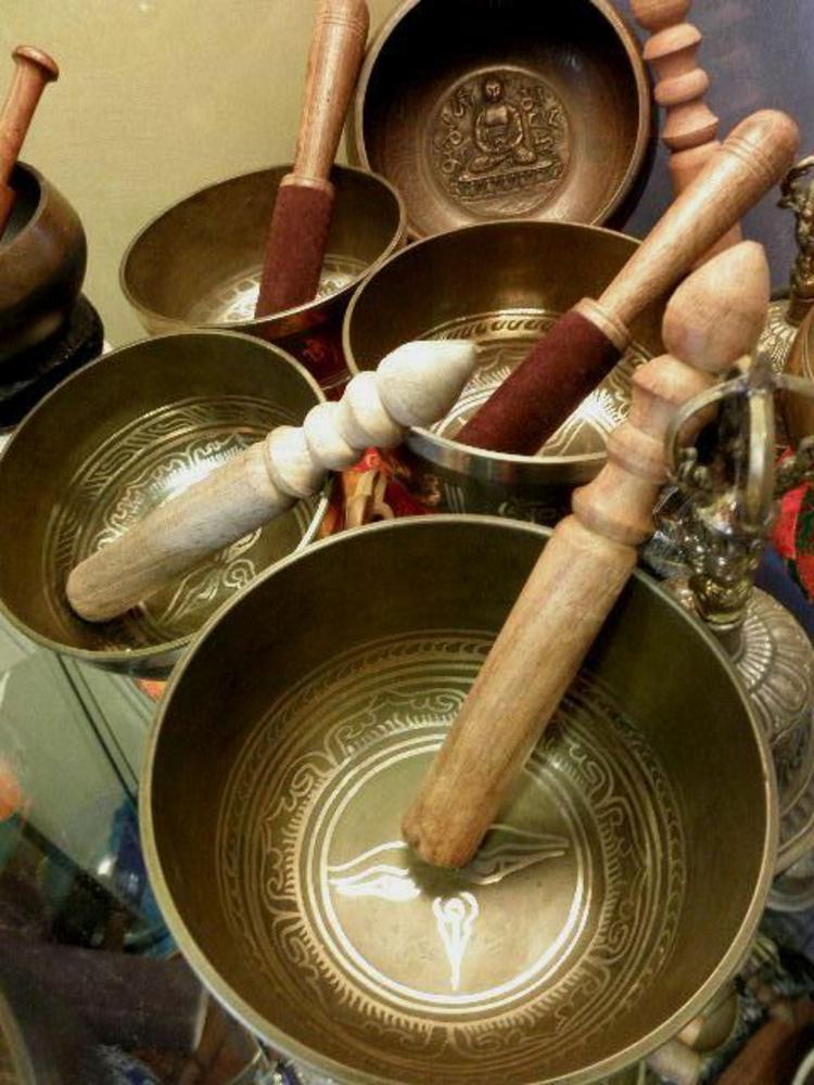 fernöstliche Kultur Tibetische Klangschalen und Klöppel
