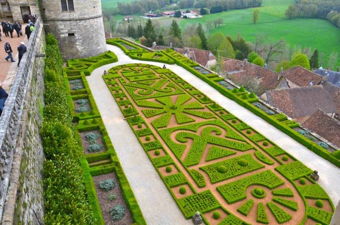 gartengestaltng garten ideen schloss terrasse geometrische figuren