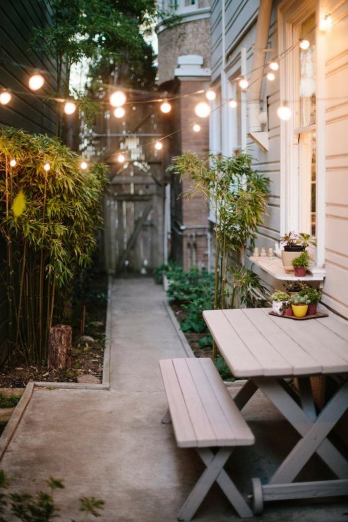 gartenideen hinterhof gartenmöbel pflanzen lichtketten