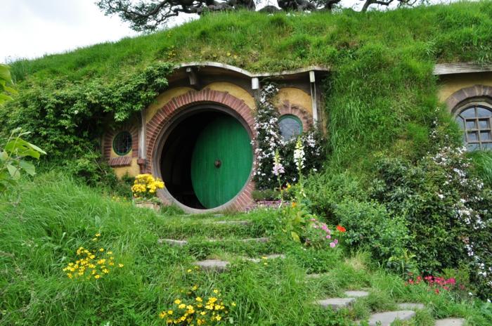 hobbit haus pics photos hobbit house hobbit haus jay. Black Bedroom Furniture Sets. Home Design Ideas
