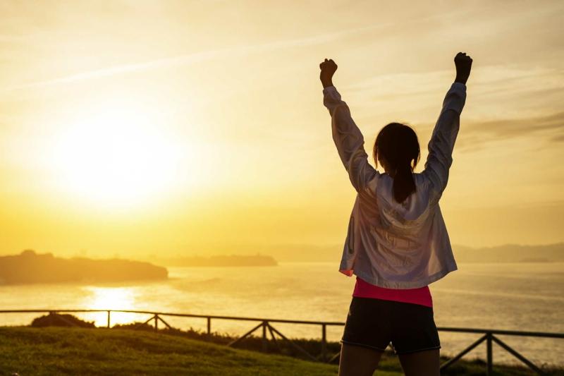 gesundes Leben führen gesunde Gewohnheiten den Morgen genießen