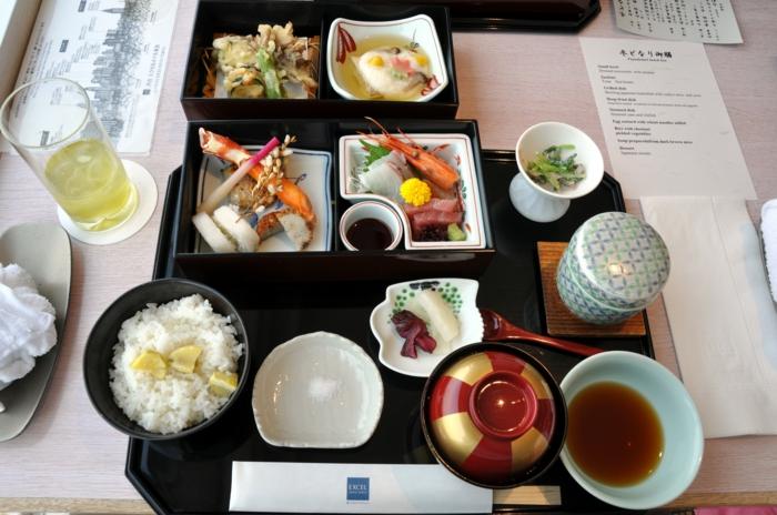gesundes essen brunch frühstück ausgewogene ernährung japanisches essen