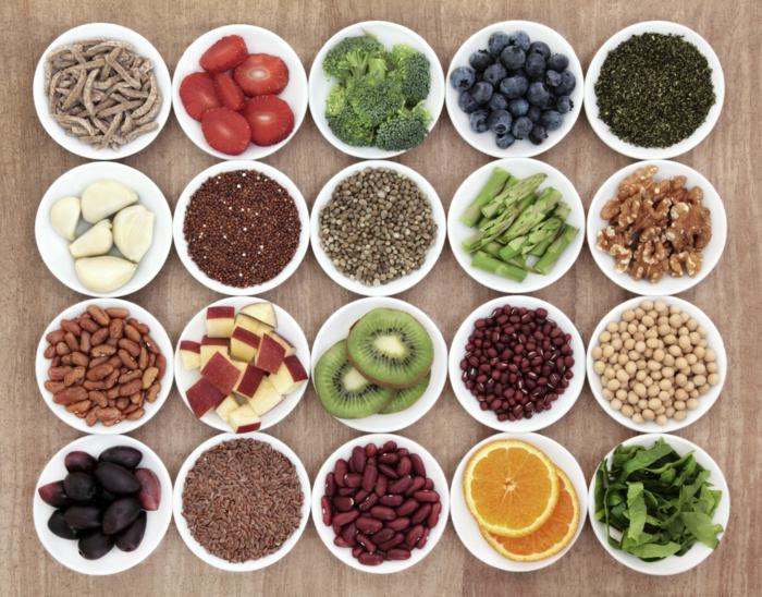 gesundes essen gemüse obst bohnen früchte samen nüsse ausgewogene ernährung