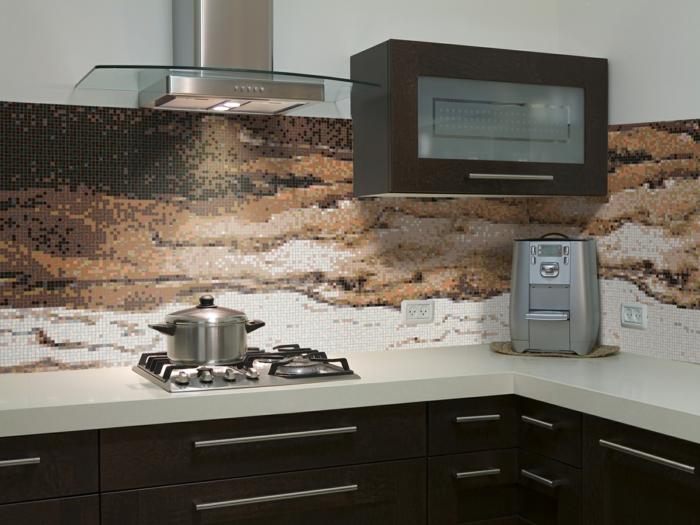 glasrückwand küche akzente setzen dunkle küchenschränke
