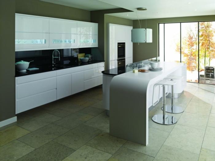 glasrückwand küche schwarz küchenschränke schwarz bodenfliesen