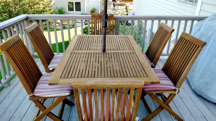 holzmöbel holzpflege versiegelung thermobehandlung outdoor möbel esstisch klappstühle