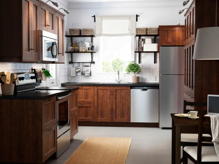 küchen holzfronten maserung eichenholz geflochtene aufbewahrungskörbe kücheneinrichtung