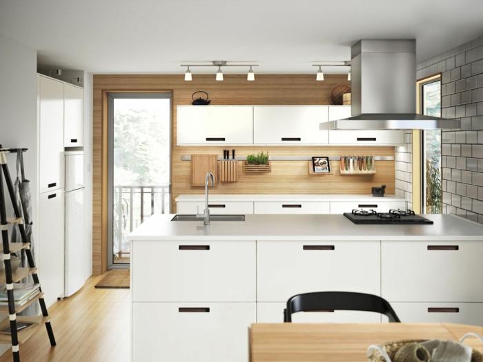 ikea küchen weiße schränke helles holz feine maserung
