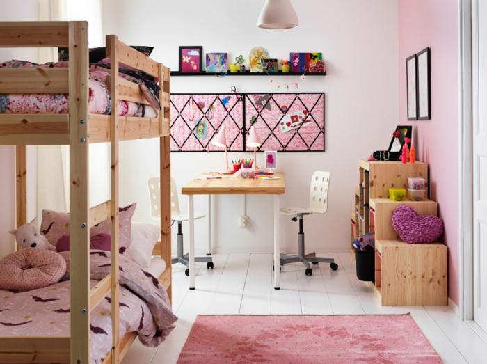 ikea kinderzimmer holzmöbel etagenbett helles holz schreibtisch bürostühle