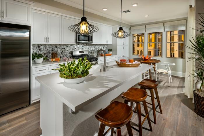 küchengestaltung feng shui tipps küche einrichten qi energie kücheninsel pendelleuchten barhocker