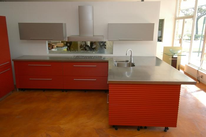 küchenmöbel arbeitspaltte edelstahl farbige küchenschränke
