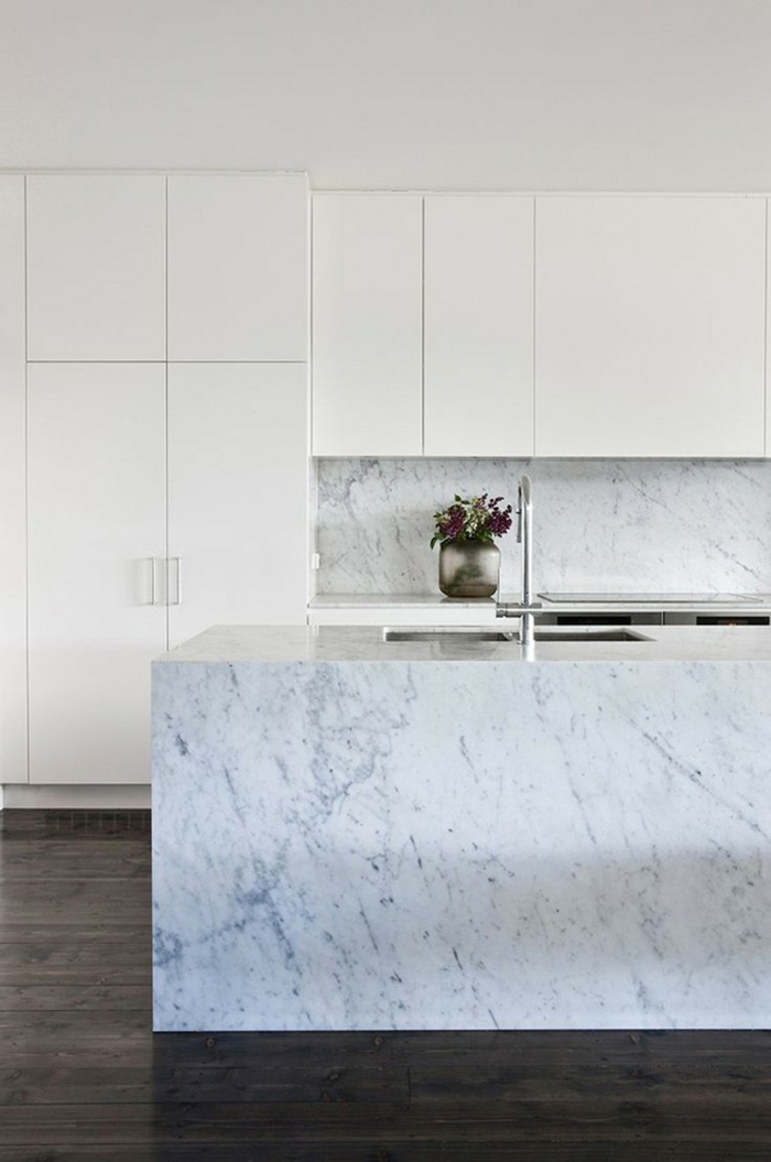 küchenmöbel material marmor kücheninsel küchenrückwand