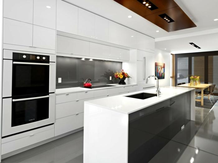 küchenrückwand glas graue akzente wohnideen küche