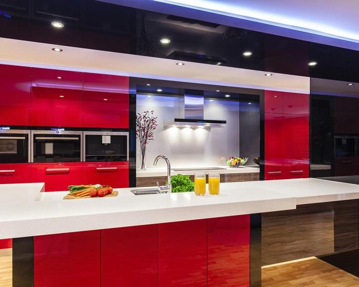 küchenrückwand glas weiß rote einrichtung moderne beleuchtung