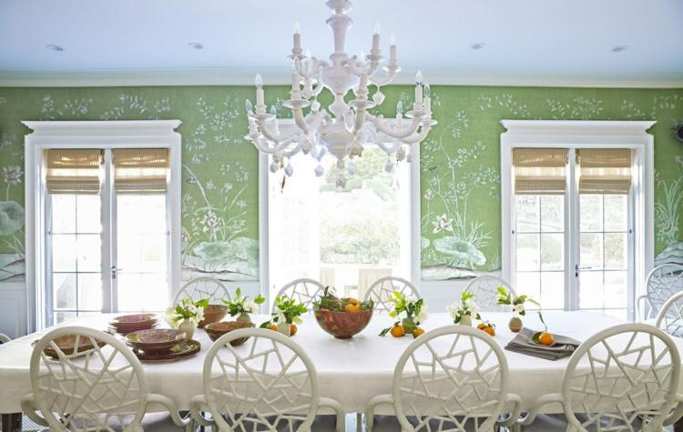 klassisches Esszimmer einrichten Wandfarbe grün Kronleuchter