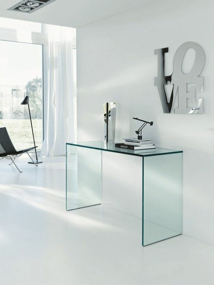 minimalistische Büroeinrichtung Glasschreibtisch Home Office einrichten