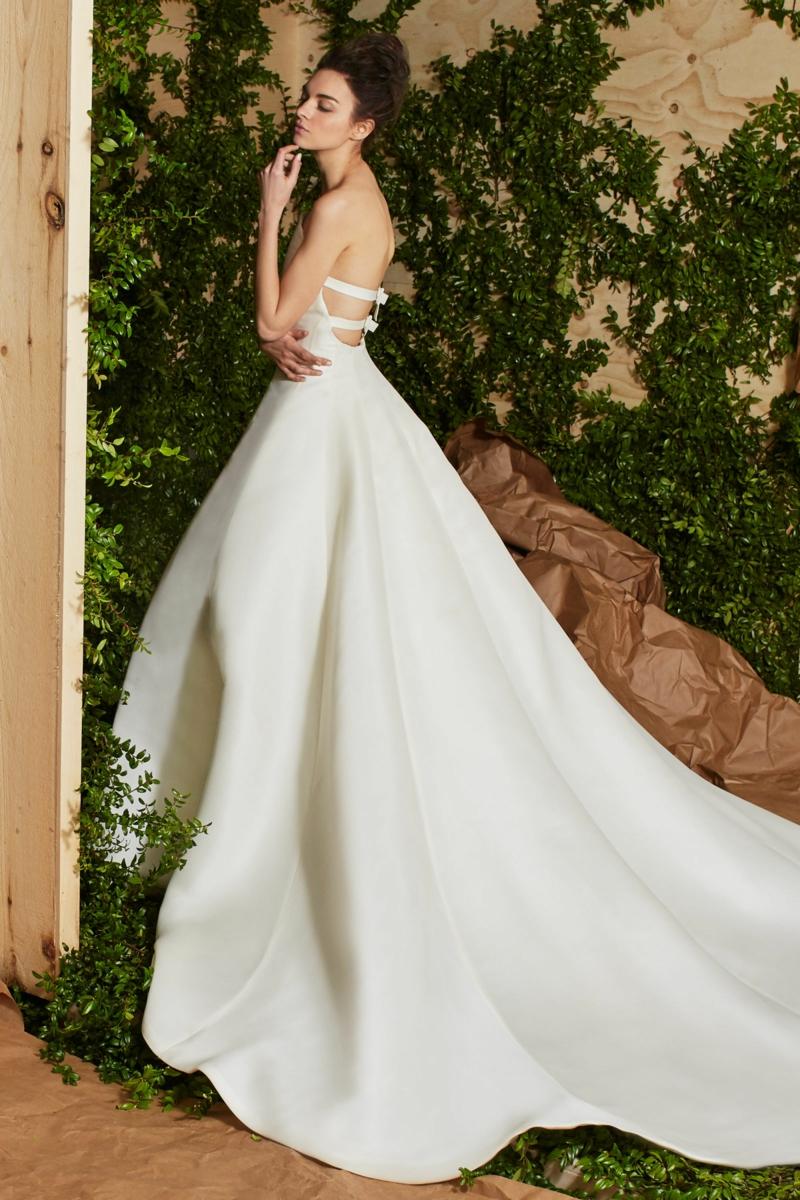 moderne Brautkleider Carolina Herrera königliche Hochzeitskleider