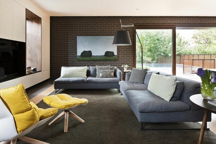 30 bequeme sessel was macht einen sessel komfortabel und - Kleines wohnzimmer groayes sofa ...