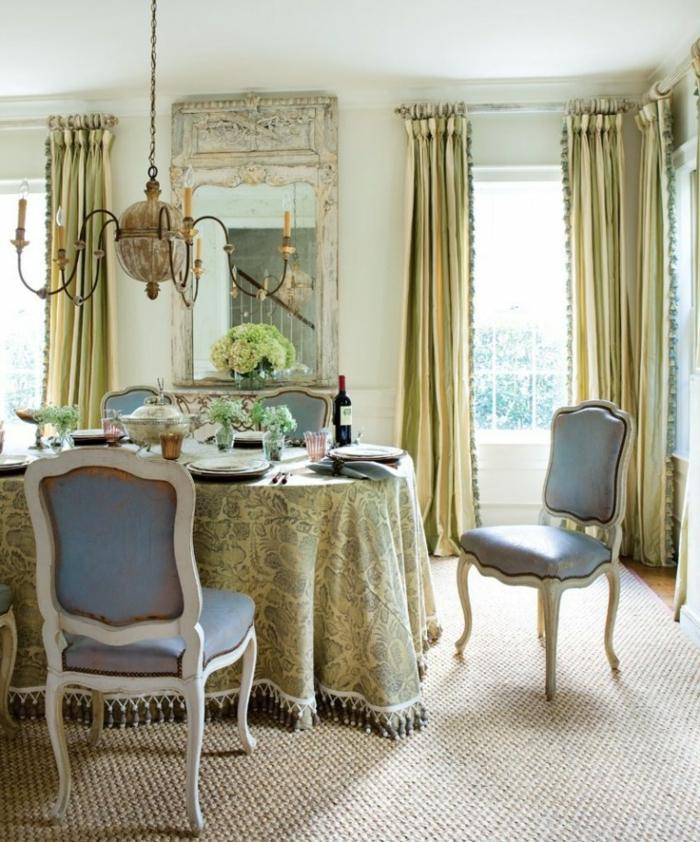 modernes esszimmer luxuriös lange gardinen sisalteppich leuchter