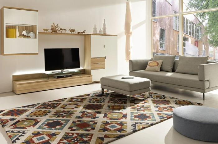 modernes wohnzimmer einrichten farbiger teppich schicke möbel wohnwand