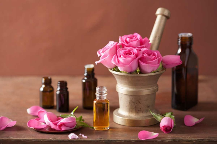 naturkosmetik rosenwasser DM duft rosenblüten wasser ätherischeöle