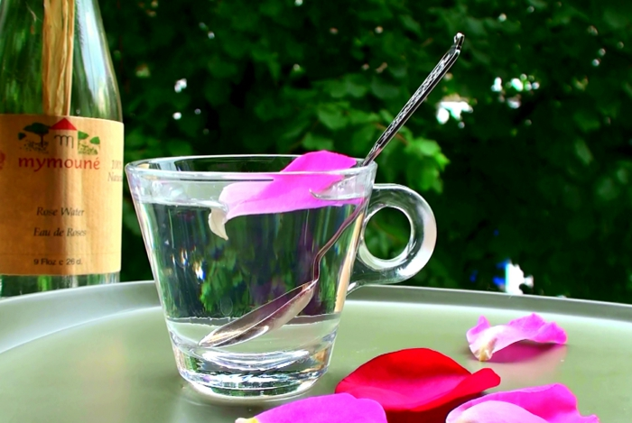 naturkosmetik rosenwasser DM duft rosenblüten wasser löffel