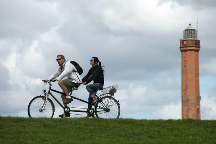 norderney nordesee ostfriesische insel weiße düne leuchtturm fahrrad