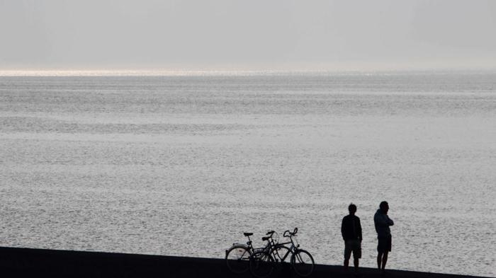 nordeney nordesee ostfriesische insel weiße düne silhouetten
