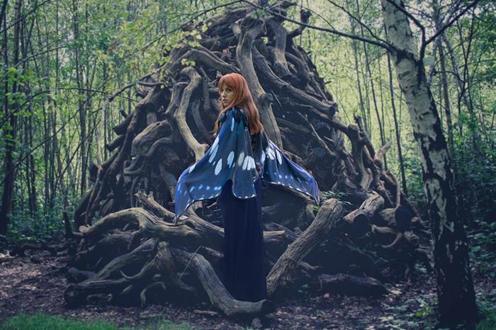 schmetterlinge-cape-umhang-blau-handbemalt