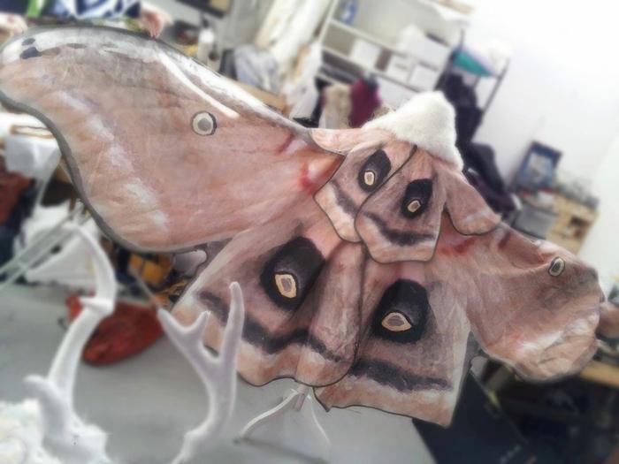 schmetterlinge-handbemalter-umhang-cape-andmade