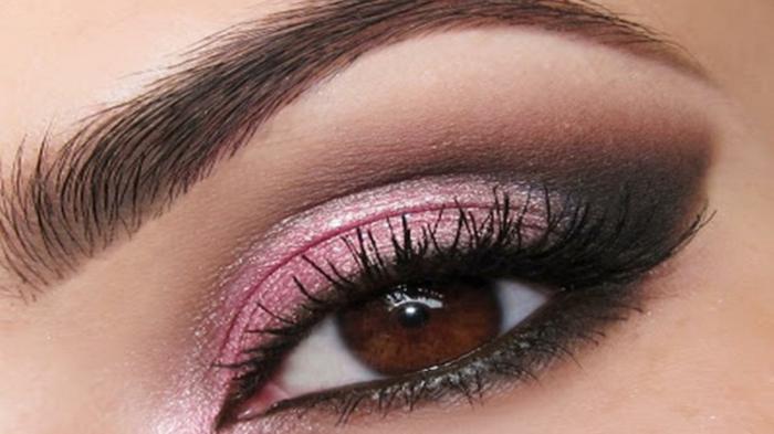 smokey eyes schminken schminkanleitung schminktipps braune auge rosa lidschatten