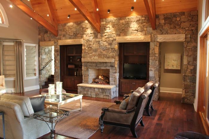 steinwand wohnzimmer ländlicher stil kamin deckenbeleuchtung