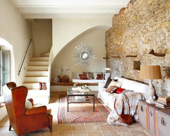 Steinwand Wohnzimmer Rustikal Teppich Vintage Sessel Innentreppen