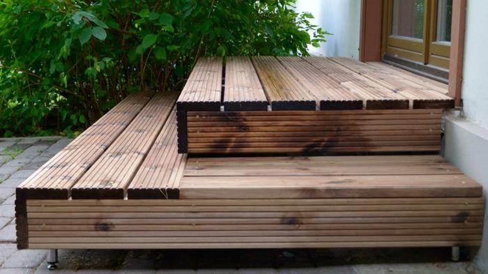 treppen gestalten treppenstufen hölzern außenbereich ideen