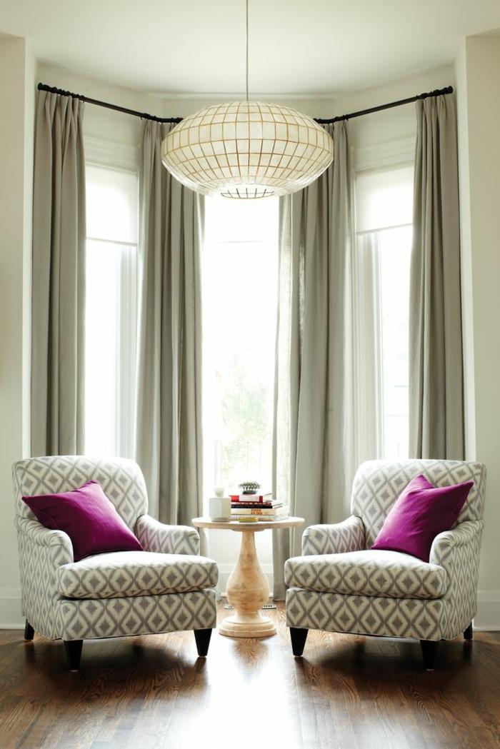 wohnideen leuchter wohnzimmer beleuchten sessel gepolstert