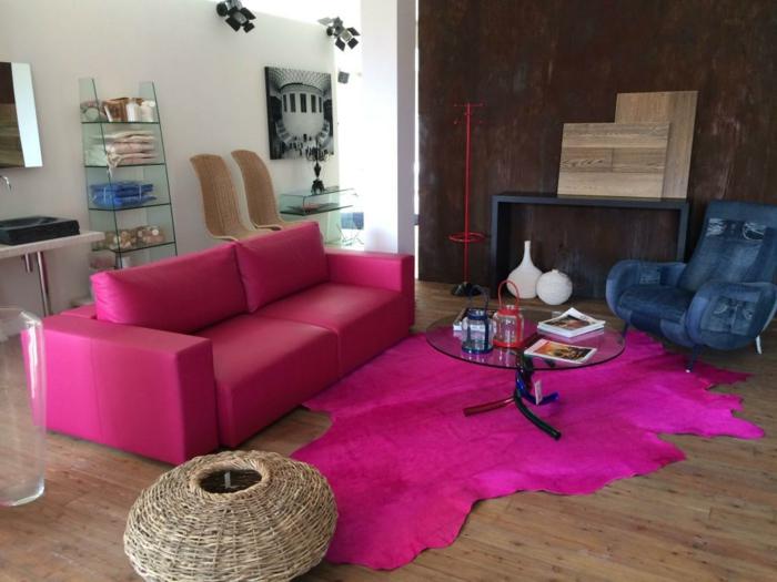 Fell teppich rosa  40 Wohnzimmer Sessel mit coolem Look, die sich im Raum deutlich ...