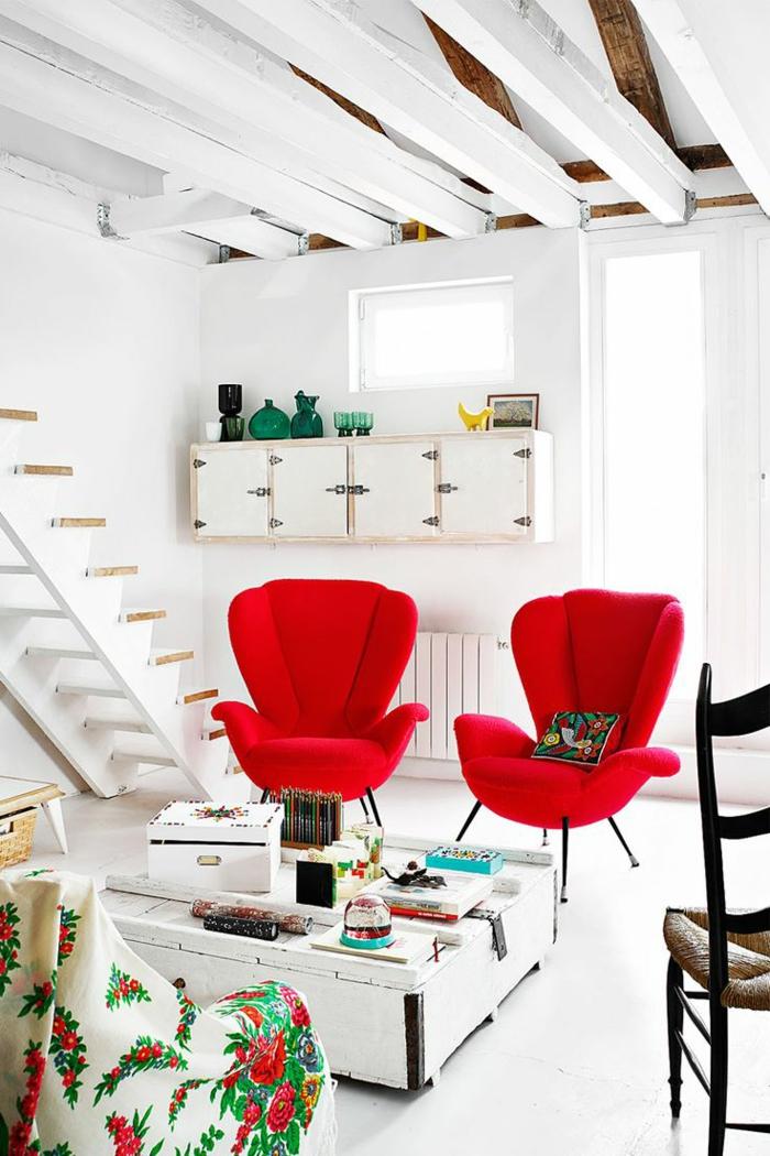 wohnzimmer sessel rote sessel weißes ambiente