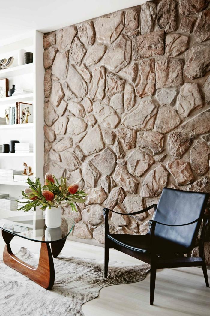 Steinwand wohnzimmer 43 beispiele wie steine auf das for Tapete steinwand