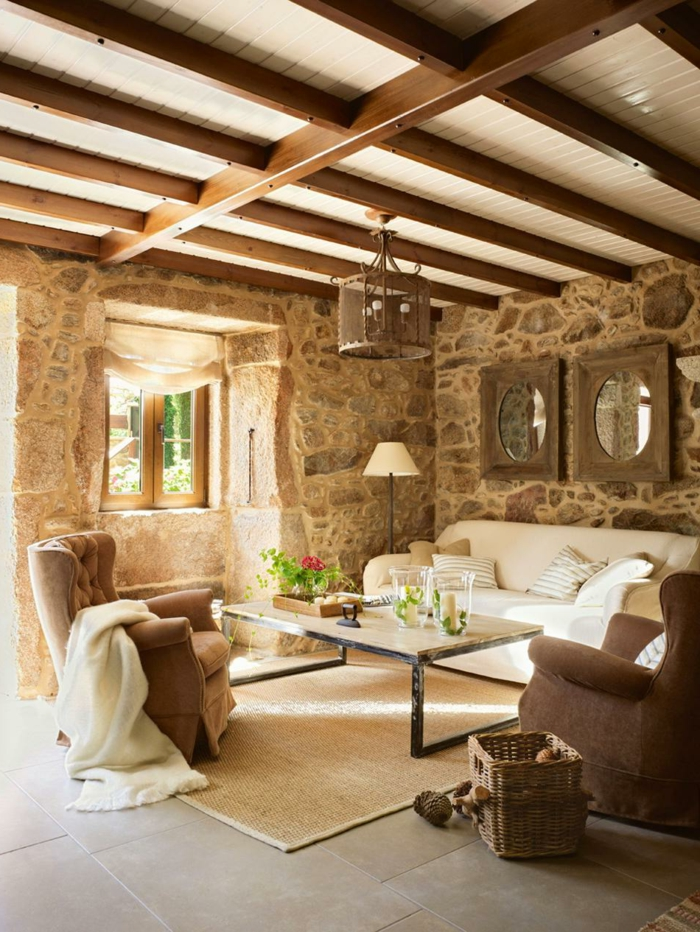 wohnzimmer steinwand sisalteppich wandspiegel fenster