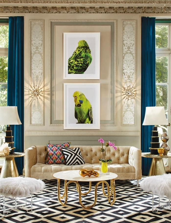 Wohnzimmereinrichtung ideen luxuriös blaue gardinen goldene elemente