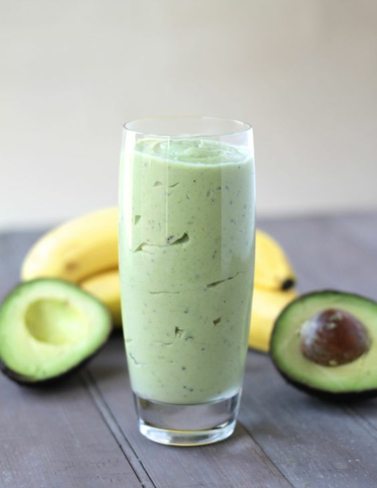 Avocado Gerichte hausgemachter Banana Avocado Smoothie