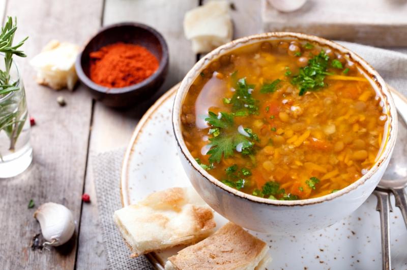 Ayurveda Ernährung ayurvedische Gerichte Linsensuppe indische Küche
